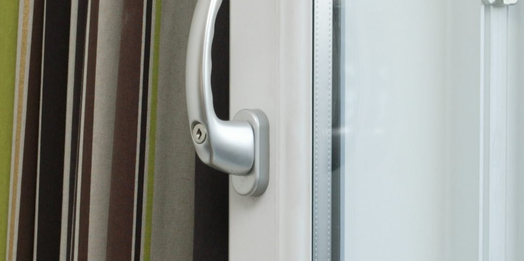 Tilt and turn window handle